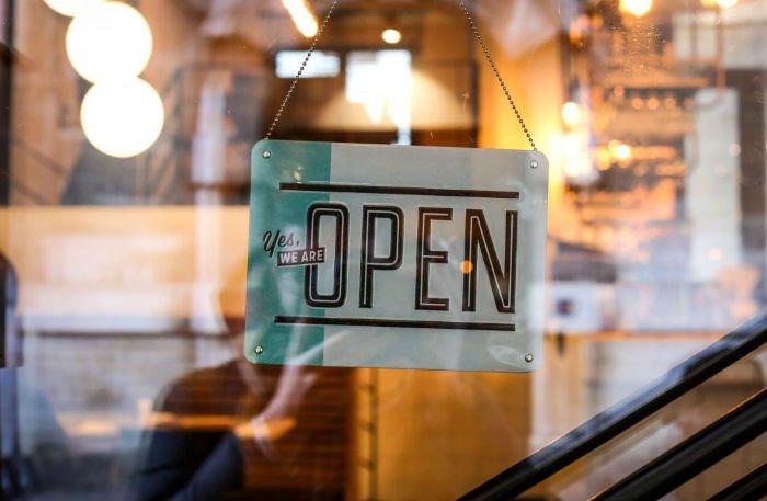 Abrir una clínica dental sin ser dentista, ¿es posible?