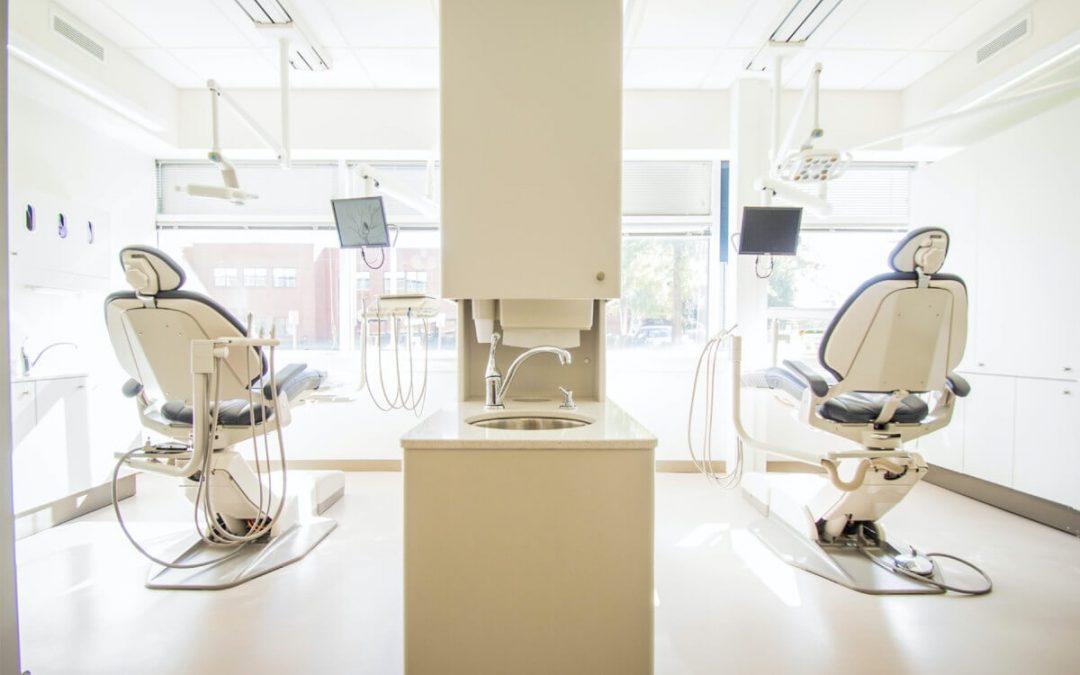 ¿Qué es el coste hora sillón para una clínica dental y cómo calcularlo?