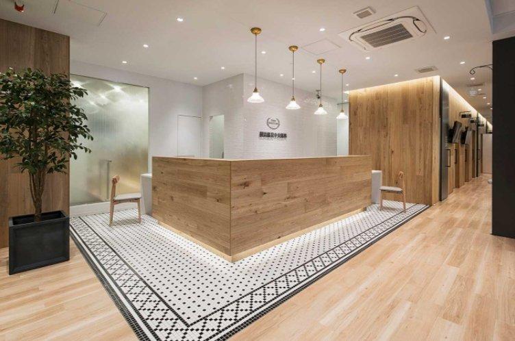 Interiorismo para clínicas dentales: suelo mosaico